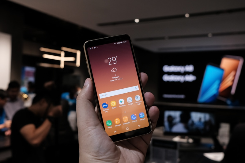 Samsung Galaxy A8 and Samsung Galaxy A8+ Announcement 2