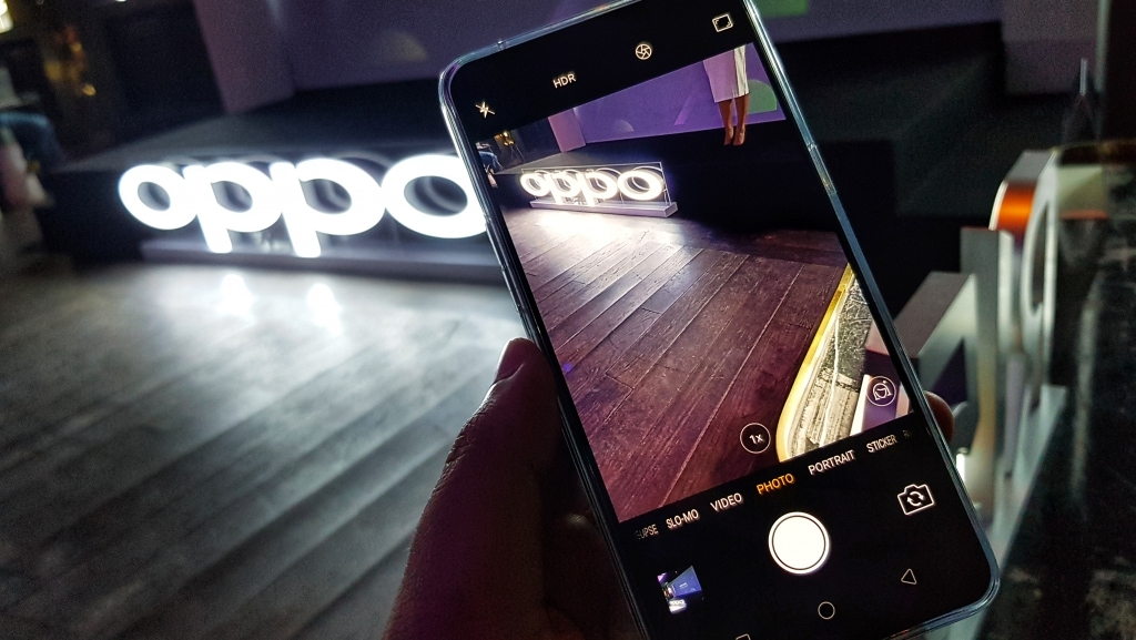 Oppo R15 and R15 Camera Phone Launch 4